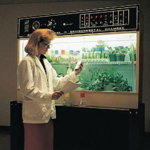 Biotronette Environmental Chamber